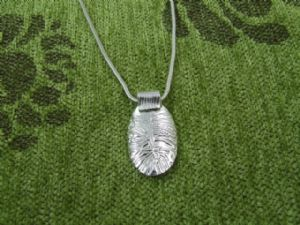 Curved Textured Pendant
